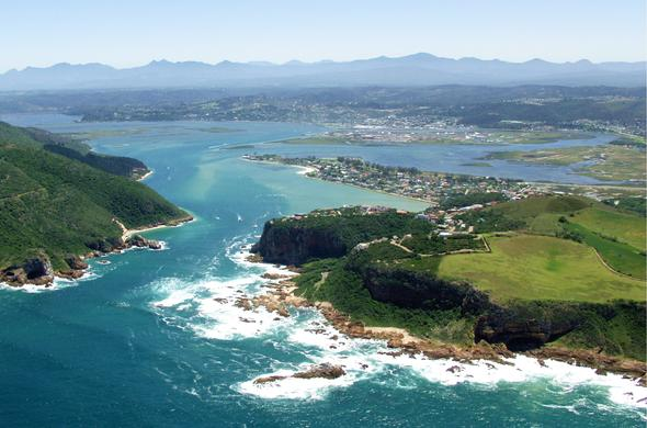 Knysna is a good whale watching destiation in South Africa.